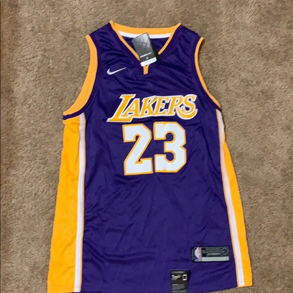 brand new 6beba 4b105 Lakers Lebron James Jersey NWT